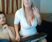 Live Sex With blondebarbiiecouple