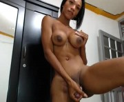 Live Sex With karlyhornytsx