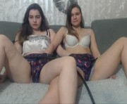 Live Sex With sweet_twins20